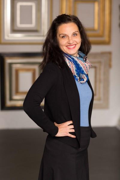 Katrin Schwarz Keller, Einrahmung und Beratung